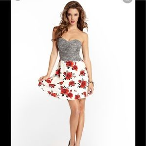 Guess rose dot mixed print strapless dress size 6